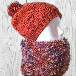 Ensemble snood et bonnet de couleur rouille